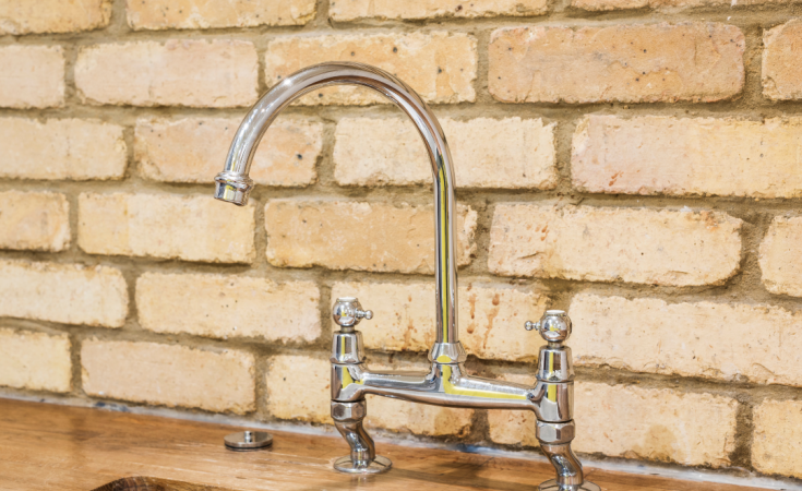 How To Clean A Kitchen Faucet?